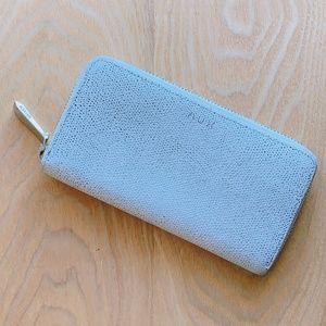 Handbags - Aritzia zipped wallet in White